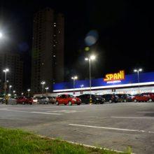 Iluminação LED Estacionamento Supermercado
